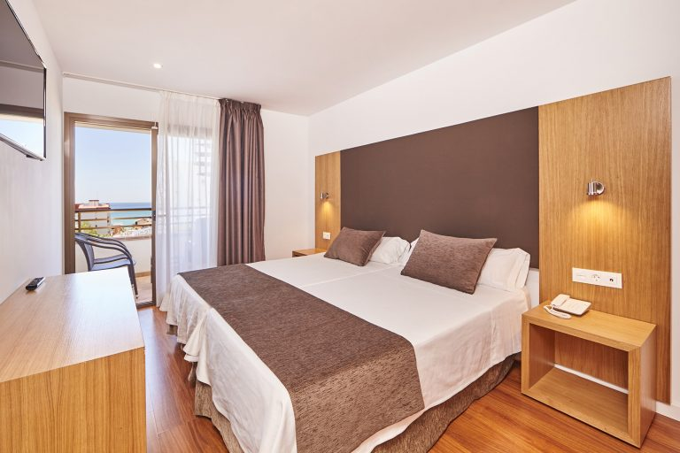 reservation double room sea view in hotel principe en playa de palma